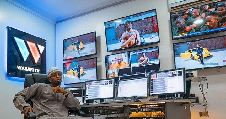 Tazama vazi alilovaa Gigy money na kusababisha wasafi Tv kufungwa