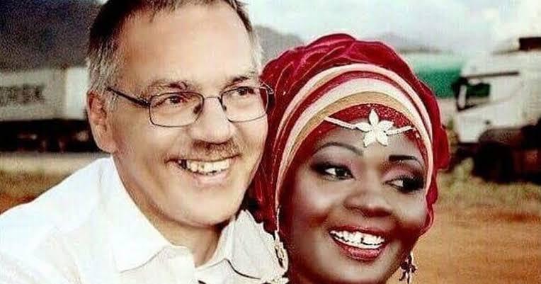 Nyota Ndogo wedding makeup